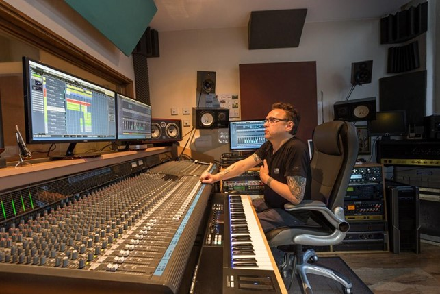 london-recording-studio-innovates-with-online-service-to-thrive